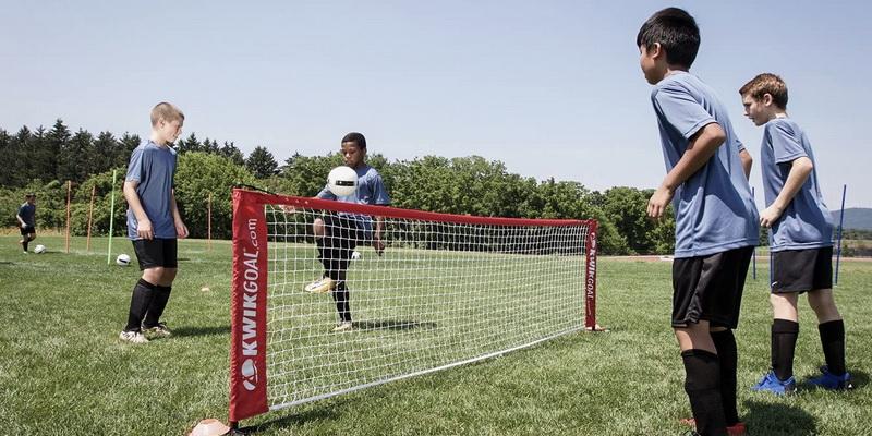 Kids play - soccer tennis rules