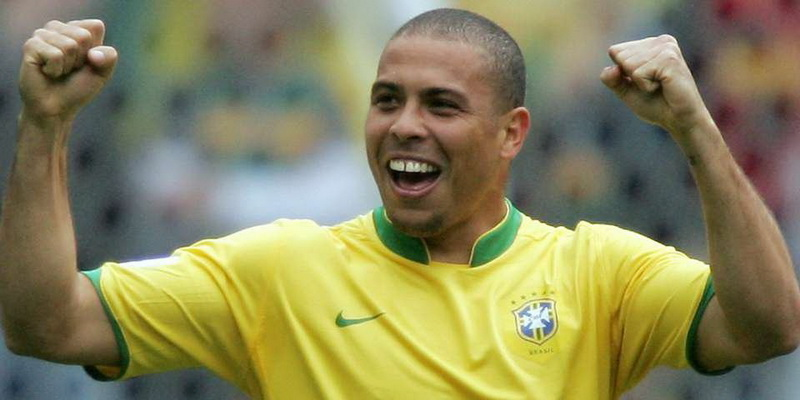 Ronaldo Nazario - legendary football players