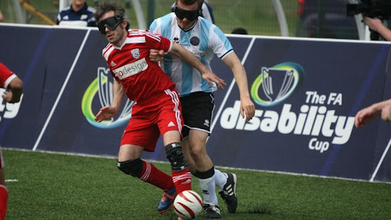 two players - rules for (of) blind football